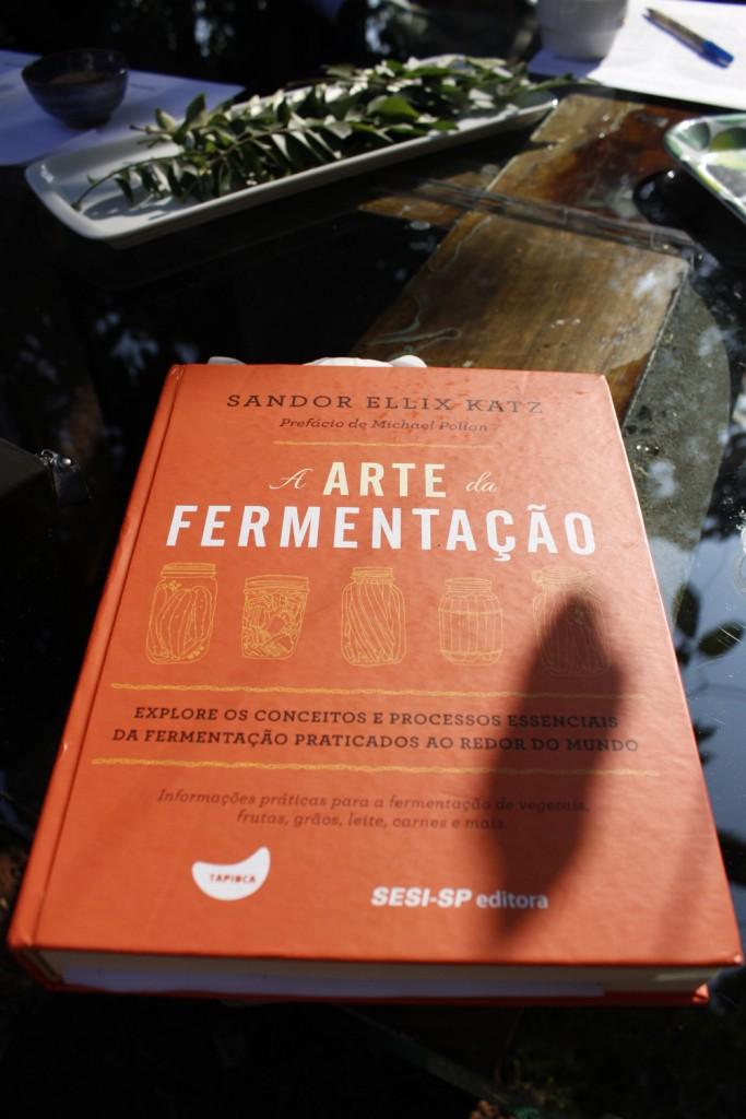 Livro bíblia da fermentação. Imagem: Ana Sachs