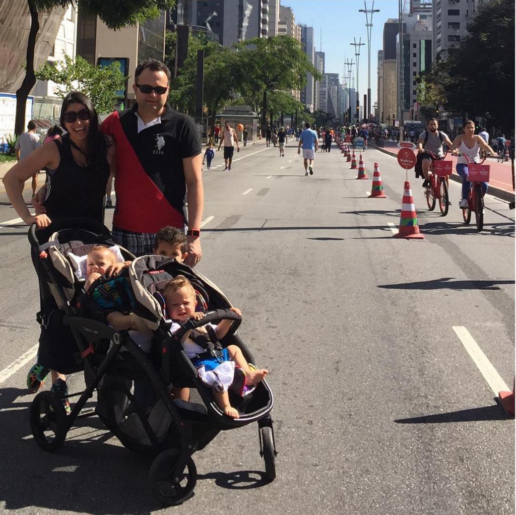 A família toda na Paulista Aberta