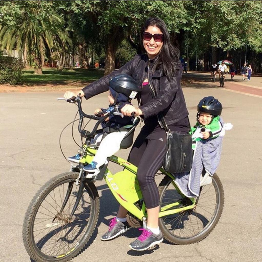 Passeio de bike com os gêmeos